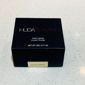 NEW HUDA BEAUTY Easy Bake Loose Powder 🌟 FREE 🎁